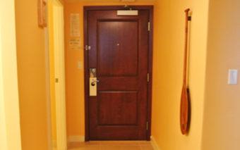 ラグーンタワーの扉